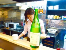 日本ワインBAR 繋 TSU NA GU(東京都港区新橋)